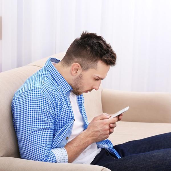 uso do celular e a dor na coluna